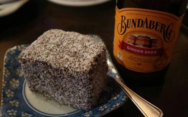 Kue lamington, makanan penutup khas Australia