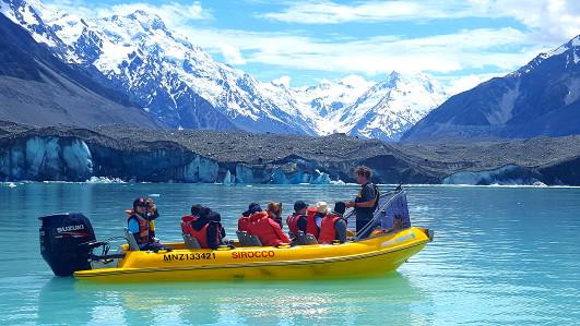www.glacierexplorers.com