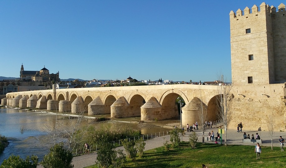 roman-bridge-of-cordoba-1541632_960_720