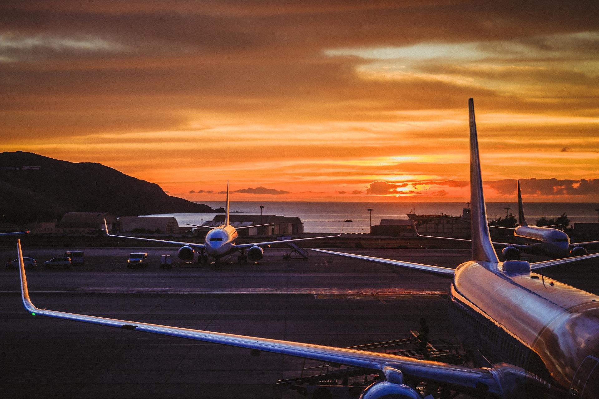 airport-3451416_1920