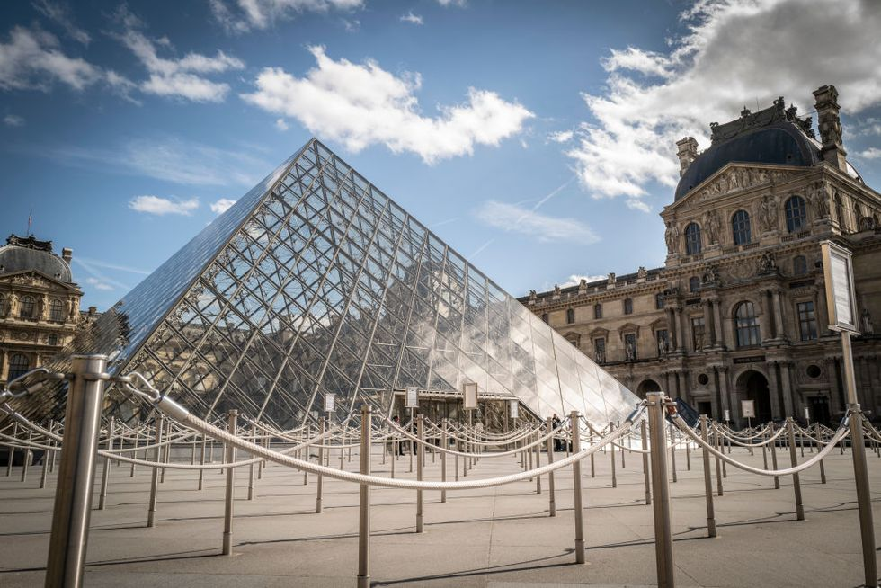 louvre emptry