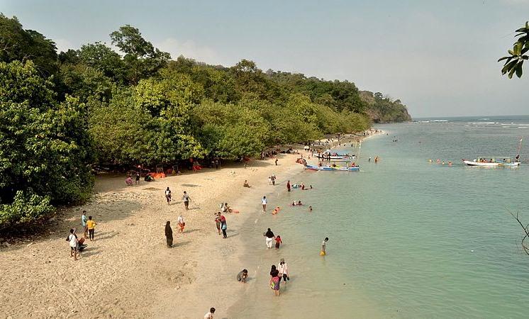 Pantai_Pangandaran wikipedia